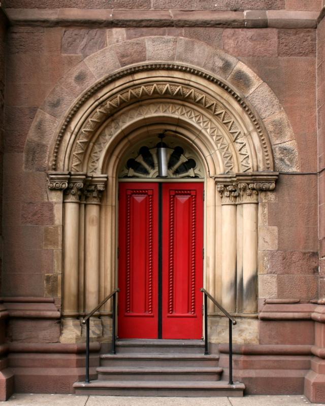 Church_of_the_Holy_Trinity_Philadelphia_red_door